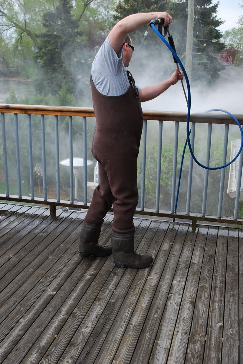 Safely and Effectively Pressure Wash a Deck